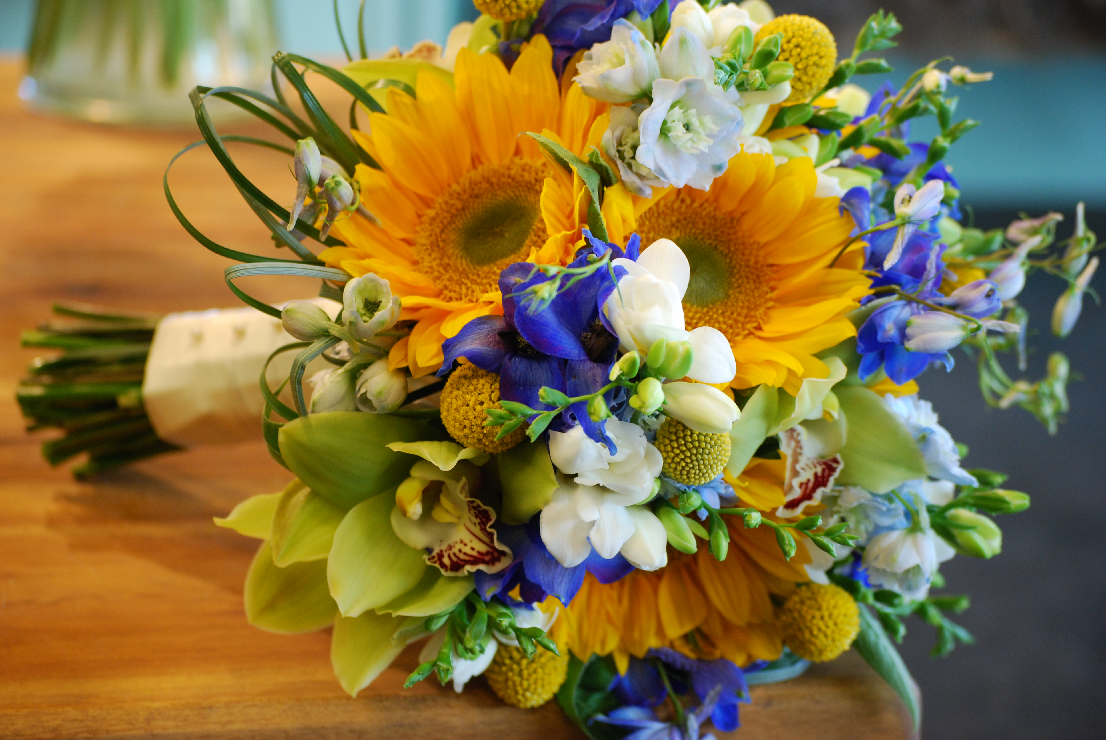 Blue yellow wedding at the dallas arboretum cebolla