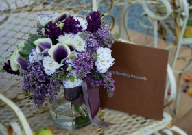 dallas bridal show, bridal show ideas, bridal show arrangements, cebolla fine flowers, dallas wedding florist, purple wedding bouquet, purple lilac bridal bouquet, purple callas, purple lisianthus, purple hyacinth, monochromatic purple bouquet, dallas wedding florist, best florist in dallas