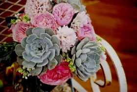 dallas bridal show, bridal show ideas, bridal show arrangements, cebolla fine flowers, dallas wedding florist, best florist in dallas, succulent bridal bouquet, pink and mint bouquet, pink hyacinth, pink garden roses, mint succulent